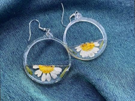 Cercei din argint cu petale si flori de margarete4