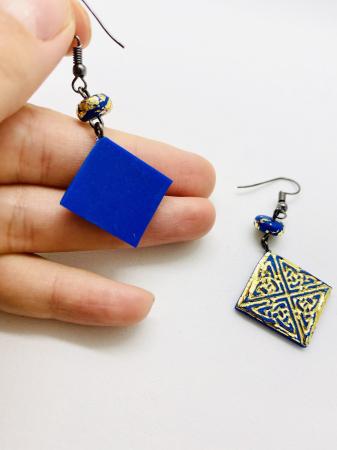 Cercei albastri [2]