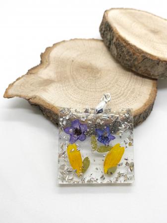 Pandantiv cu flori de primavara [2]