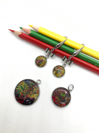 Set bijuterii cu creioane colorate3