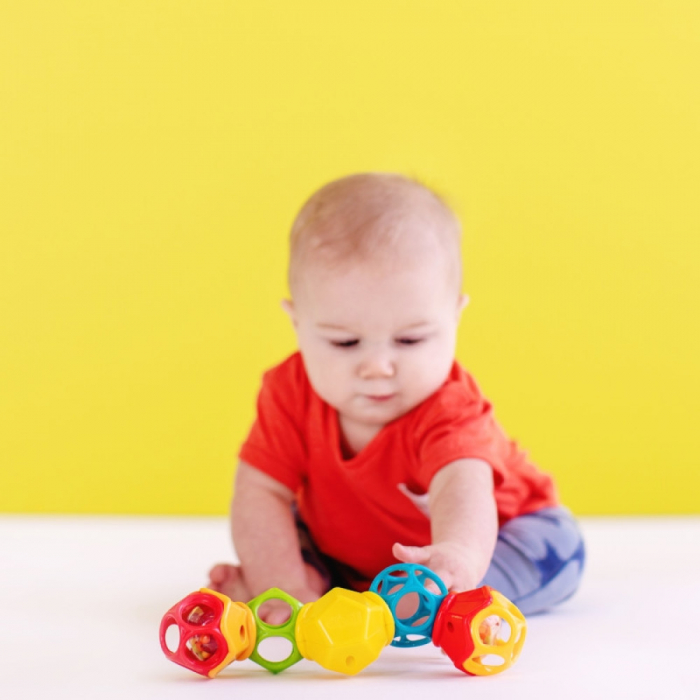 Bright Starts - Jucarie Clicky Twister™ Easy-Grasp Rattle Oball 3