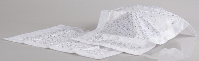 Servet decorativ pentru masa culoare alb/argintiu 0