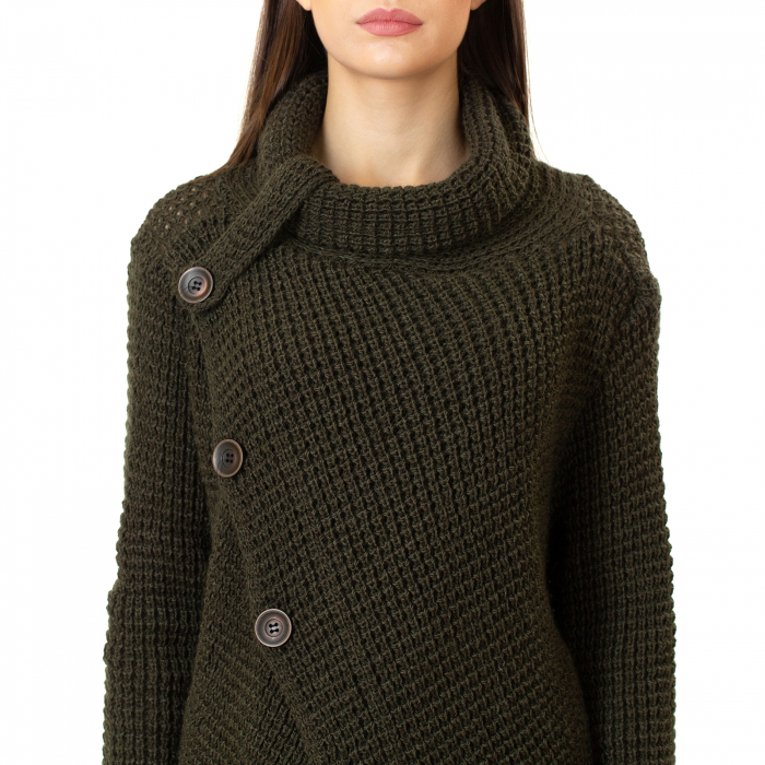 Pulover tricotat cu nasturi [6]