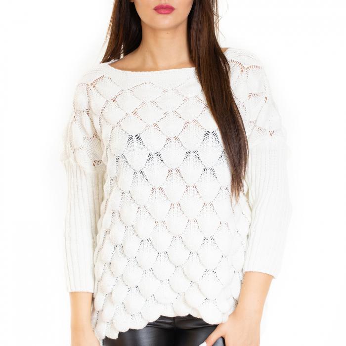 Bluza tricotata bucle cu maneca pana la cot 3