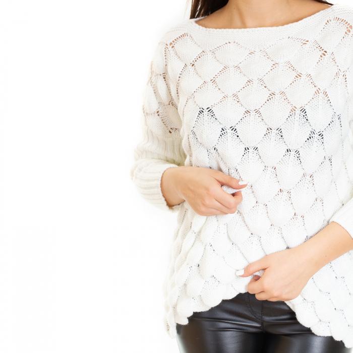 Bluza tricotata bucle cu maneca pana la cot 4