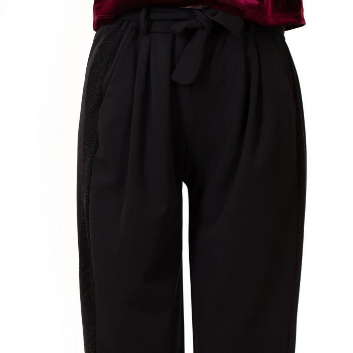 Pantalon cu cordon in talie 1