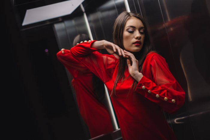 Rochie cu butoni la maneca [7]