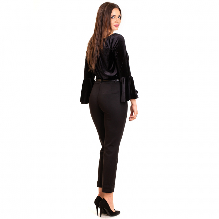 Pantalon conic cu curea,  buzunare laterale si  fermoar 1