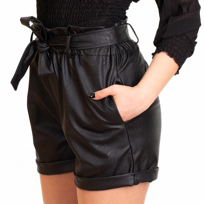 Pantalon scurt  din piele ecologica cu cordon 1