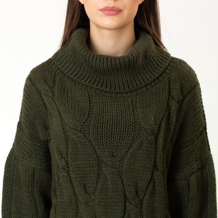 Pulover tricotat cu guler6