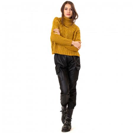 Bluza scurta tricotata cu guler rol [1]