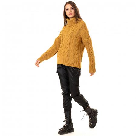 Bluza tricotata cu guler rol1