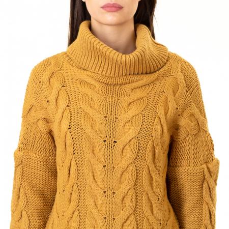 Bluza tricotata cu guler rol6