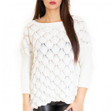 Bluza tricotata bucle cu maneca pana la cot3