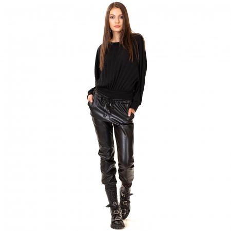 Pantalon din piele ecologica cu buzunare [2]