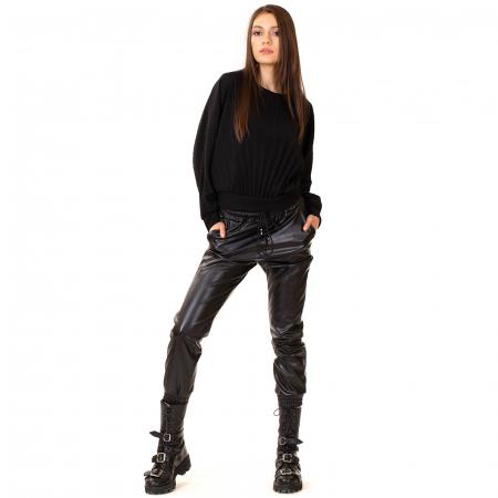 Pantalon din piele ecologica cu buzunare [3]