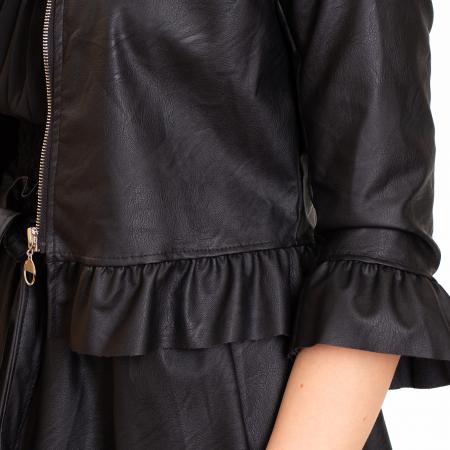 Jacheta scurta cu  volane  si fermoar  ,  din piele ecologica2
