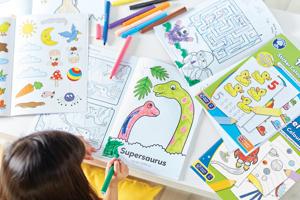 Carte de colorat cu activitati in limba engleza si abtibilduri Dinozaur DINOSAUR2
