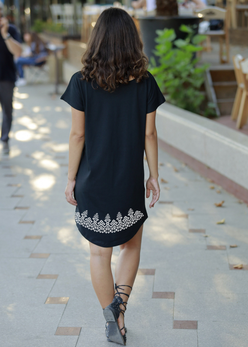 Tricou croială lungă Tradiții, culoare neagră [1]