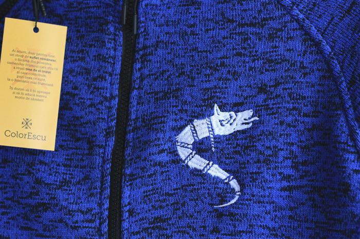 Jachetă Lup Dacic, broderie, culoare albastră 1