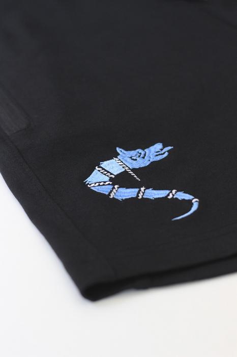 Pantaloni scurți Lupul Dacic, broderie, culoare neagră 1