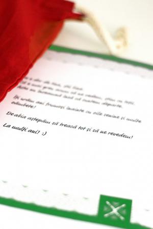 Pachet cadou roșu cu scrisoare personalizată2