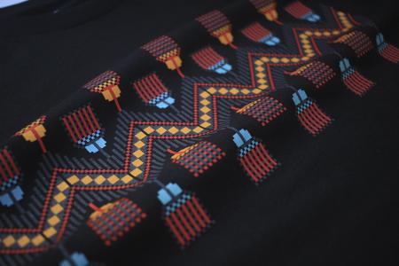 Tricou Tradiții, damă, culoare neagră2