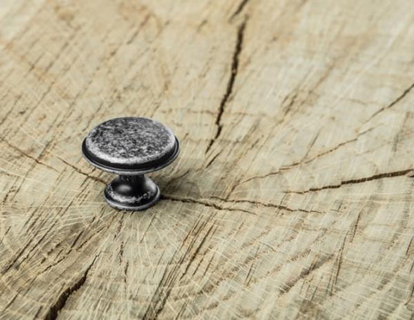 Buton mobila Cento D28 mm, argintiu antichizat 1