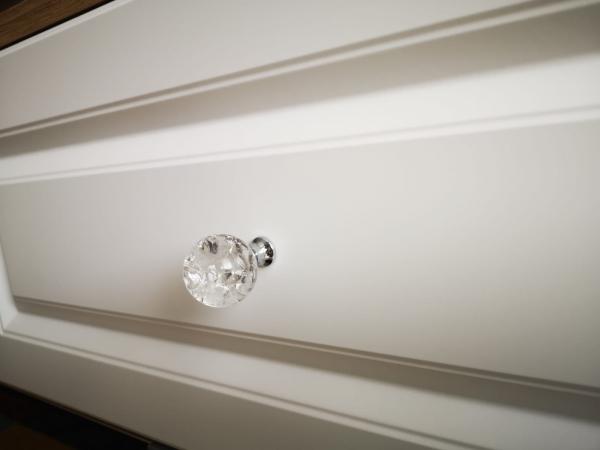Buton mobila White Crystal 30x43 mm 2