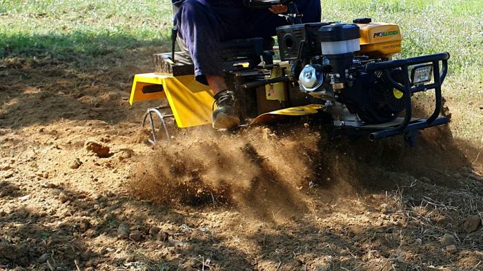 Mini tractor ProGARDEN Campo 1856-4WD, 4x4, 18 CP, benzina, 4+1 viteze [3]