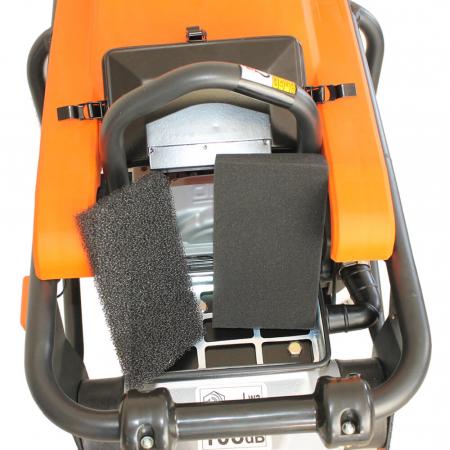 Mai compactor Bisonte MC75-H, Honda GXR120, 3.5 CP, benzina, 13 kN, 72 kg [4]