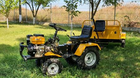 Mini tractor ProGARDEN Campo 1856-4WD, 4x4, 18 CP, benzina, 4+1 viteze [7]
