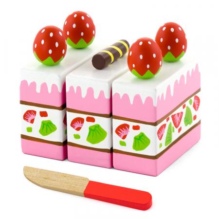 Felii de tort cu capsuni si frisca din lemn [0]