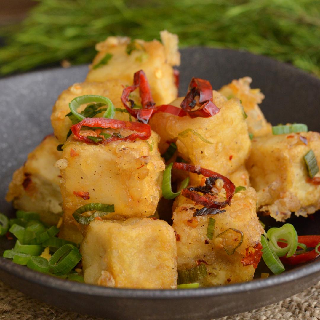 Branza tofu cu verdeturi si ardei