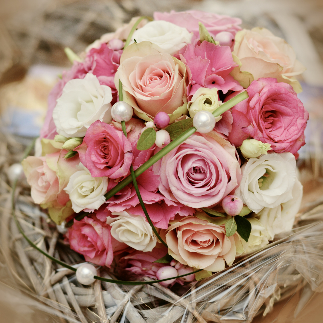 3 sfaturi de frumusete pentru a recicla trandafirii primiti de Valentine's Day