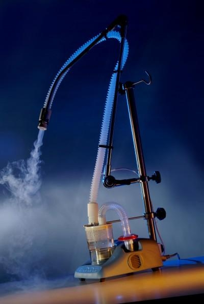 Nebulizator UltraNeb echipat cu stativ 1.5m și furtun încălzit 4