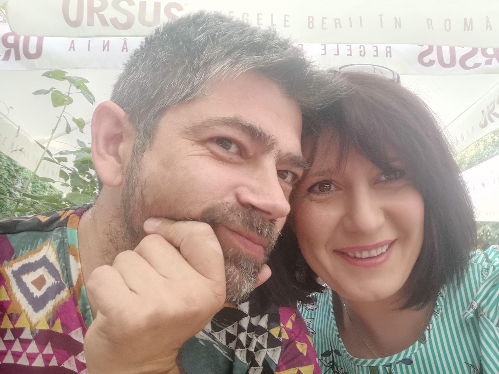 Afaceri de la zero. Andreea Maier creează într-un atelier din Oradea suveniruri gravate pe lemn şi le vinde sub brandul Craft Laser, atât online, cât şi în magazinele obiectivelor turistice