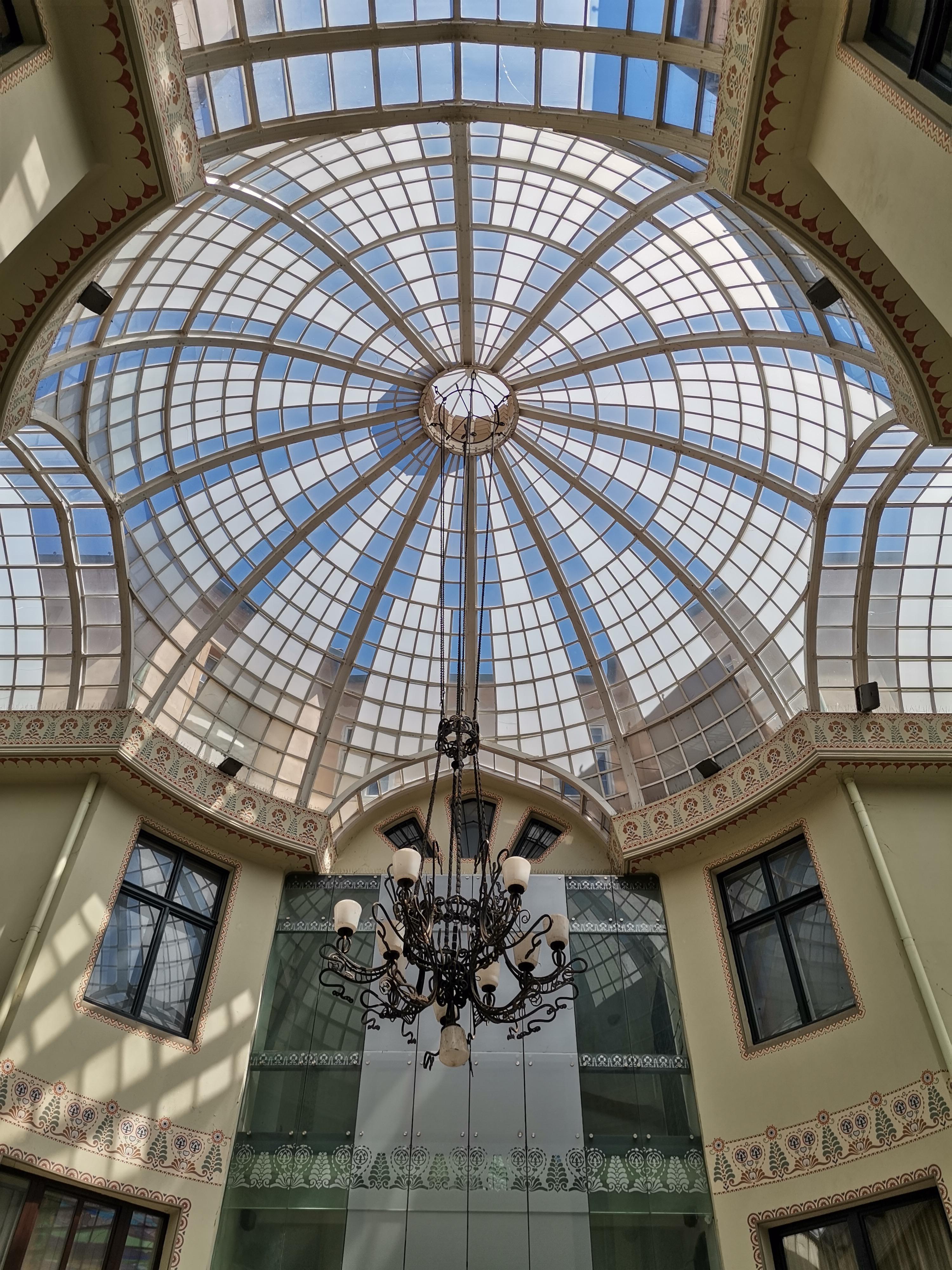 Palatul Vulturul Negru Oradea