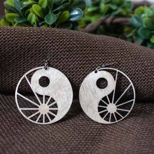 Cercei din lemn de esenta tare Ying-Yang, handmade 0