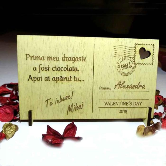"""Felicitare din lemn """"Sarbatoreste iubirea"""", gravata, cu mesaj personalizat 0"""
