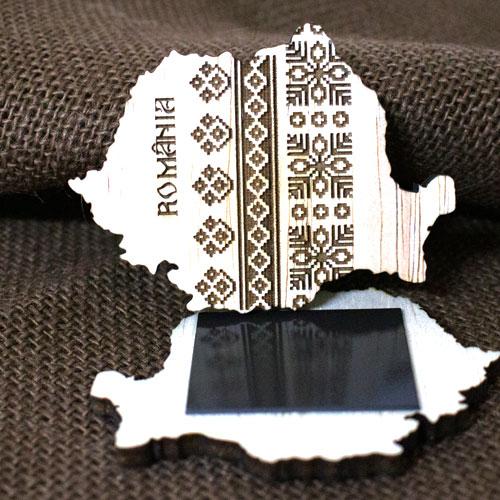 Magnet De Frigider Din Lemn, Gravat cu motive traditionale, Romania 0