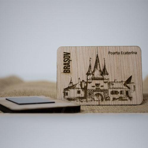 "Magnet De Frigider din lemn, gravat, ""Poarta Ecaterina"" Brasov 1"