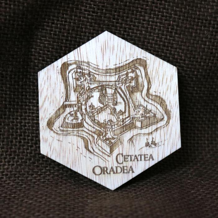 Magnet De Frigider Hexagonal, Gravat Cetatea Din Oradea 0
