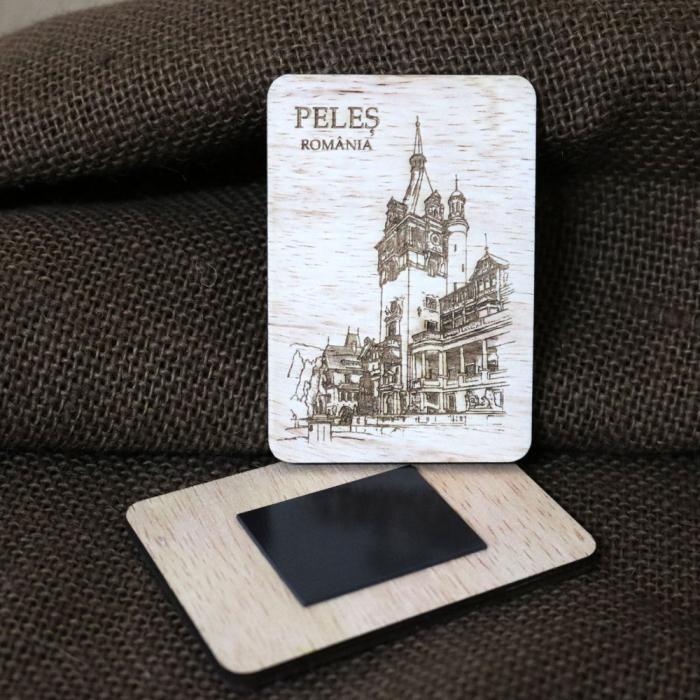 "Magnet De Frigider, vertical, din lemn, Gravat ""Castelul Peles"" Sinaia [1]"