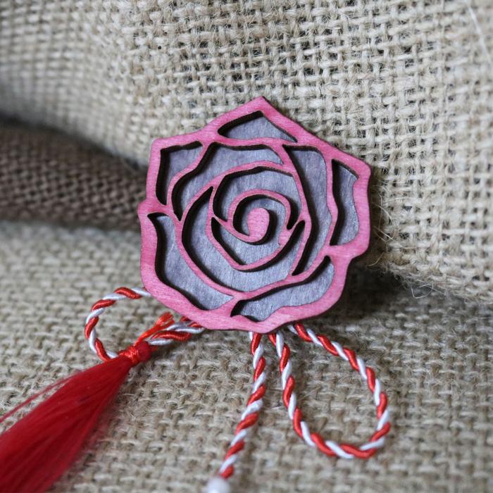 Martisor - brosa din lemn, Trandafir, rosu [8]