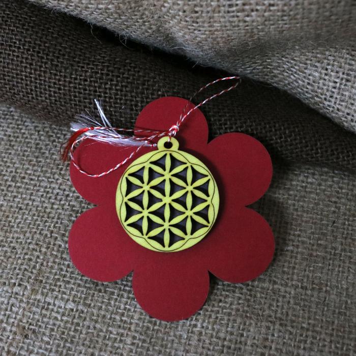 Martisor din lemn, decupat Floarea vietii, galben [5]