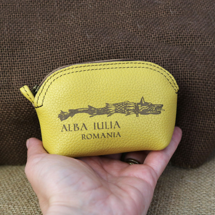 Mini portofel suvenir din piele, gravat Lupul Dacic, Cetatea Alba Carolina - Alba Iulia (culoare: galben mustar) [2]