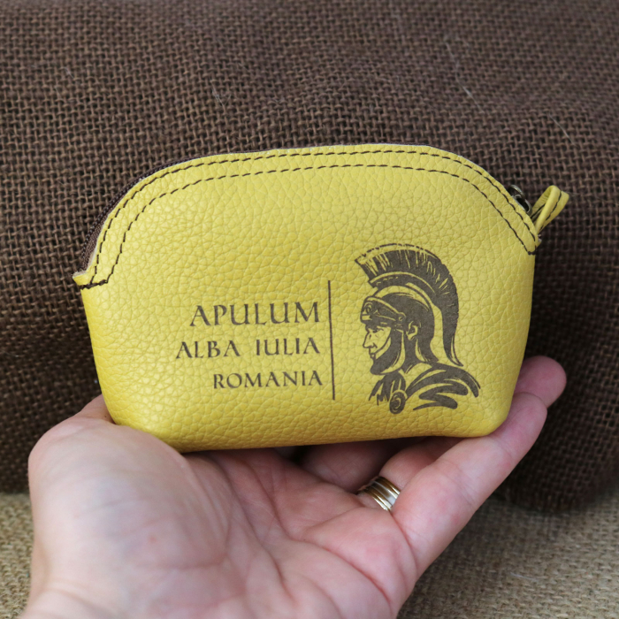 Mini portofel suvenir din piele, gravat Soldatul Roman, Cetatea Alba Carolina - Alba Iulia (culoare: galben mustar) [2]