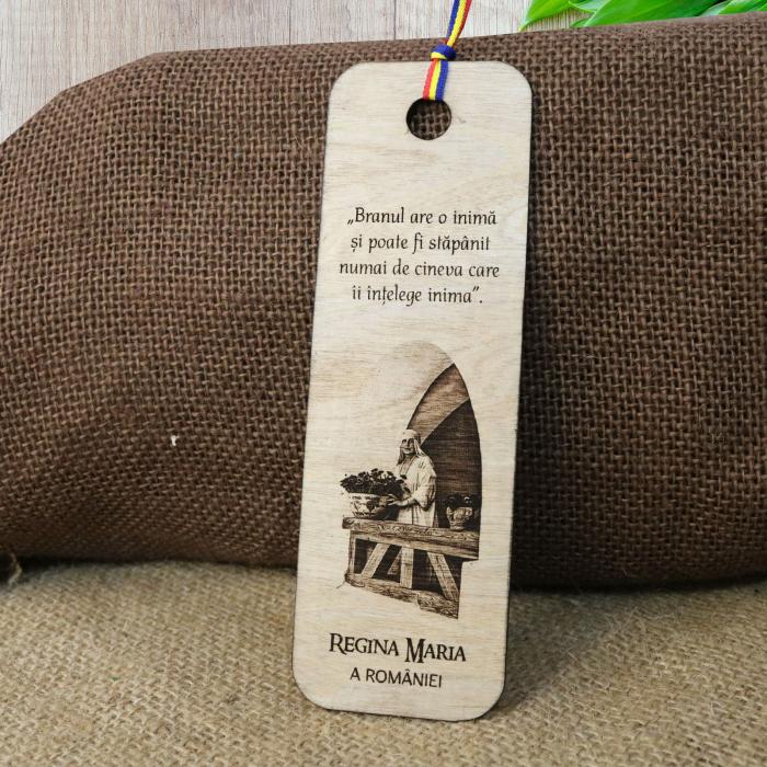 Semn de carte suvenir, din lemn, gravat, Regina Maria a Romaniei - Castelul Bran [0]