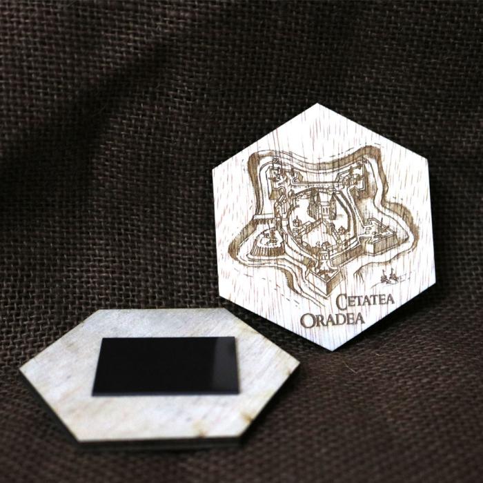 Magnet De Frigider Hexagonal, Gravat Cetatea Din Oradea 1